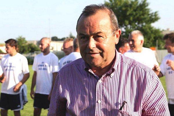 Hlavným garantom futbalu v Alekšinciach je poslanec Národnej rady SR Tibor Glenda.