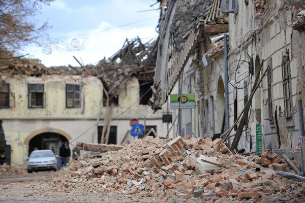 Poškodené budovy po zemetrasení 29. decembra 2020 v chorvátskom meste Petrinja.