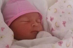 Lucia z Nitry sa narodila tri minúty polnoci.