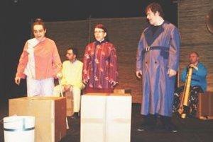 Divadlo z Pasáže v Nitre uviedlo predstavenie Dobrý človek zo Sečuanu.