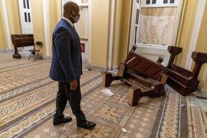 Protestujúci spôsobili v budove Kongresu škody.
