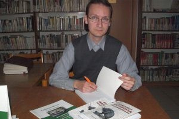 Miroslav Eliáš predstavil svoju novinku v nitrianskej knižnici.