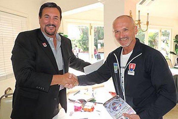 MS INBA budú definitívne v Nitre. Potvrdené podaním rúk s prezidentom INBA Dennym Kakosom na Natural Olympii v San Diegu.
