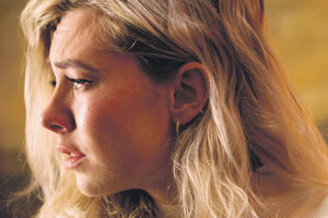 Vanessa Kirby vo filme Čriepky ženy.