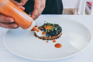 Trendom v roku 2021 bude aj priniesť si zážitok z reštaurácie do domáceho prostredia.