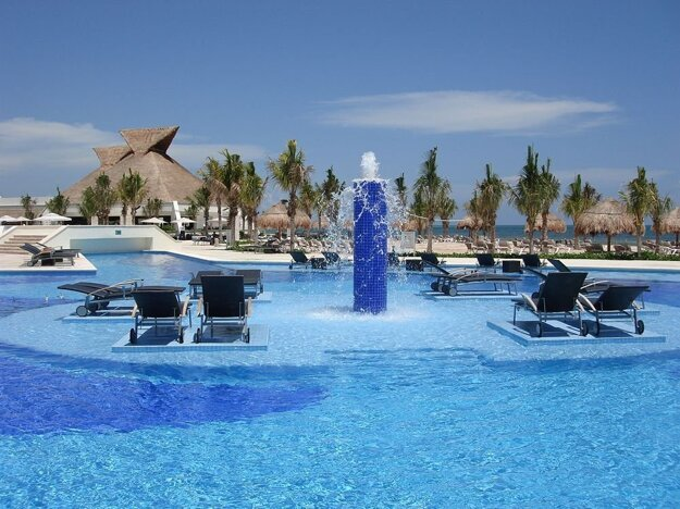 Bluebay Grand Esmeralda 5*