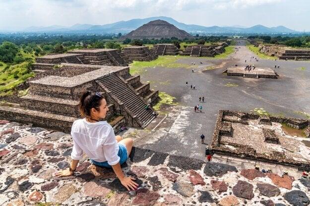 Teotihuacan, Pyramída Mesiaca a Pyramída Slnka
