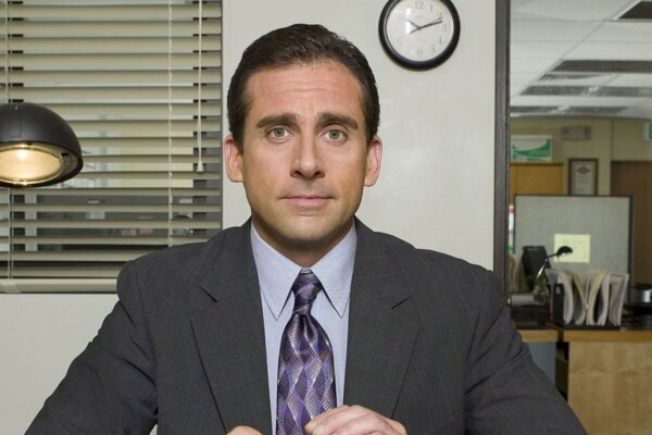 Steve Carell v americkej verzii seriálu The Office.