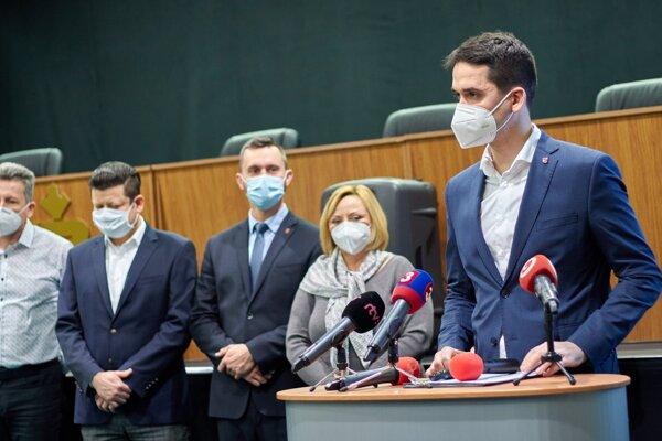 Župa má plán na rýchle a efektívne očkovanie, jej iniciatívu víta aj primátorka Lučenca