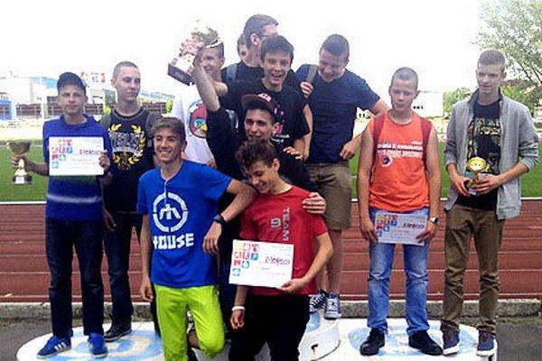Chlapci zo ZŠ Fatranská vyhrali súťaž družstiev.