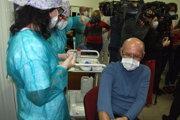 Riaditeľa nemocnice Milana Dubaja zaočkovali 26. decembra.
