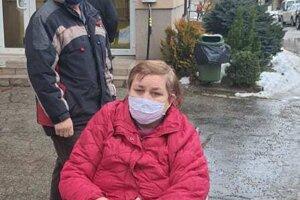"""Otestovať sa prišla aj pani Ľudka, ktorá má pred sebou ešte ďalšie rehabilitácie. Verí však, že na ďalšie prípadné testovanie príde už """"po svojich"""". Prajeme jej skoré uzdravenie."""