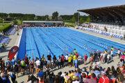 Snímka z plaveckej časti majstrovstiev sveta v triatlone, ktoré sa konali v júni 2019 v Šamoríne.