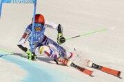 Petra Vlhová ide obrovský slalom.