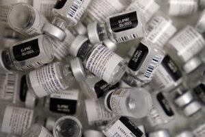 Vakcína od Pfizeru a BioNTechu.