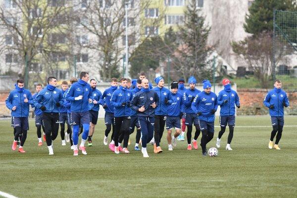 Futbalisti FK Senica počas tréningu.