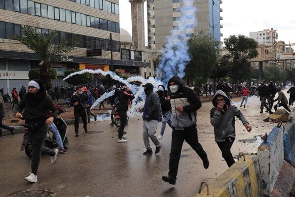 Protesty v libanonskom meste Tripolis.