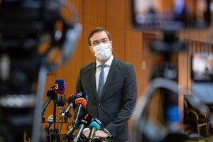 Minister zdravotníctva Marek Krajčí pred pondelňajším rokovaním vlády.