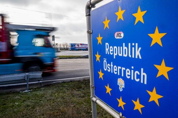 Slovensko-rakúska hranica.