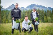 Kamaráti z Pure Slovakia zo zisku z oblečenia a doplnkov vysadili už 16-tisíc stromov.