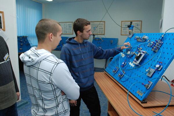 V Spojenej škole v Martine je obľúbený aj študijný odbor mechanik elektrotechnik.