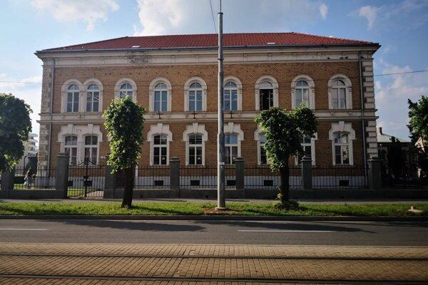 Verejná knižnica Jána Bocatia v Košiciach ostáva zatvorená.