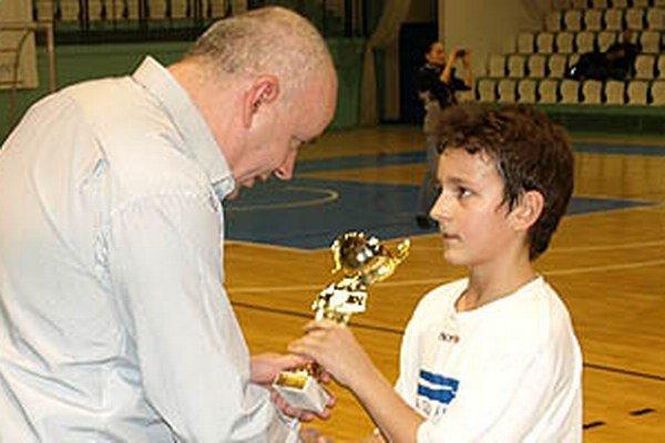 Prvenstvo na premiérovom ročníku halového turnaja benjamínkov patrí Čeľadičanom.