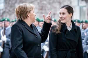 Nemecká kancelárka Angela Merkelová (vľavo) a predsedníčka fínskej vlády Sanna Marinová.