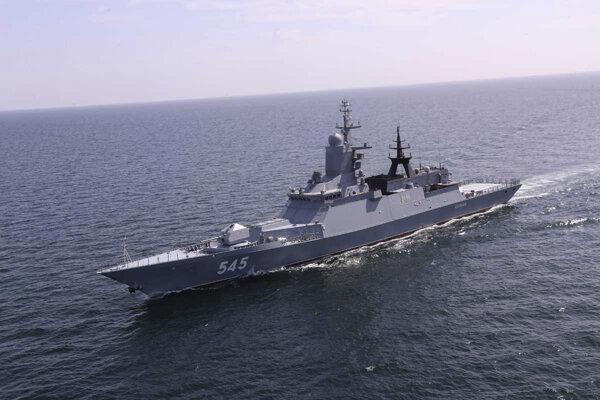 Irán a Rusko spustili spoločné námorné manévre v severnej časti Indického oceánu..