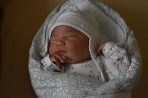 Lea Özcan (3810 g, 52 cm) sa narodila 7. februára Anete a Gökhanovi z Trenčína.