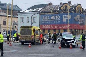 Nehoda dvoch áut na Palackého ulici.