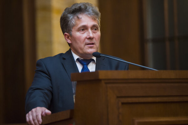 Ľubomír Petrák.