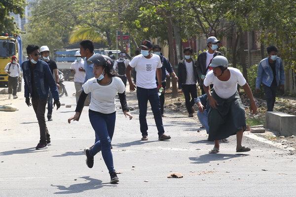 Protesty v Mjanmarsku.