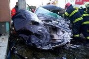 Hasiči zasahujú pri dopravnej nehode v Dlhej nad Oravou.