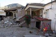 Škody po zemetrasení.