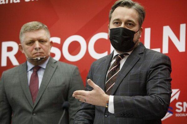 Predseda strany Robert Fico (vľavo) a podpredseda strany Ľuboš Blaha.