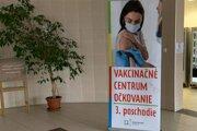 V Oravskej poliklinike je vakcinačné centrum.