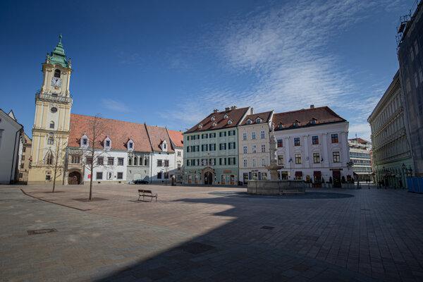 Hlavné námestie v Bratislave.