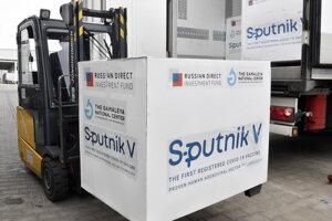 Dodávka vakcíny Sputnik V pre Maďarsko.
