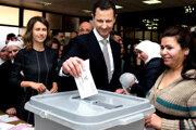 Pár pri posledných voľbách v Damasku.