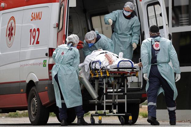 Preťažený zdravotný systém zápasí s prudkým nárastom prípadov.