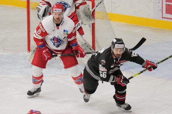 V zápase proti Liptákom v 47. kole v banskobystrickom drese po prvý krát od zranenia nastúpil aj mikulášsky srdciar Martin Kriška.
