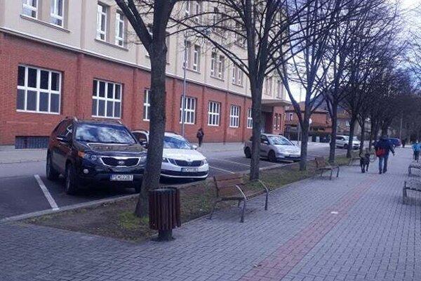 Priamo vcentre Partizánske už nie je až taký veľký problém zaparkovať.