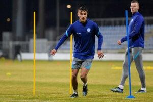 Dávid Strelec na tréningu slovenskej futbalovej reprezentácie.