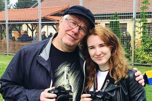 Jozefa Komorného (vľavo) často vídať s fotoaparátom v rukách.