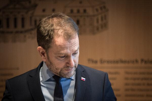 30. marec 2021, Bratislava. Predseda vlády v demisii Igor Matovič po odovdzaní demisie prezidentke Zuzane Čaputovej.