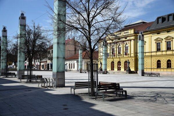 Martin - Divadelné námestie počas Veľkonočného pondelka.