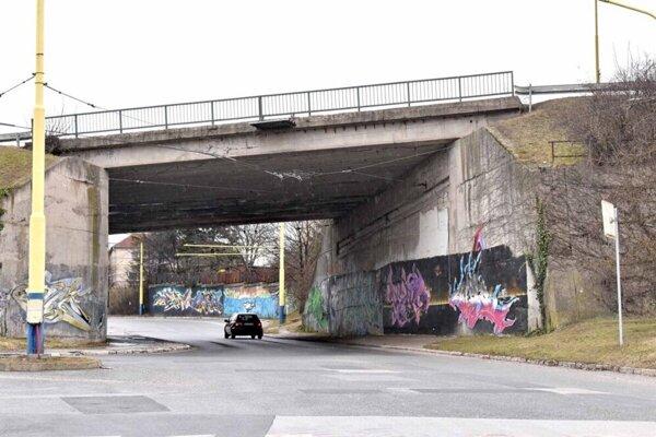 Most na Triede L. Svobodu.