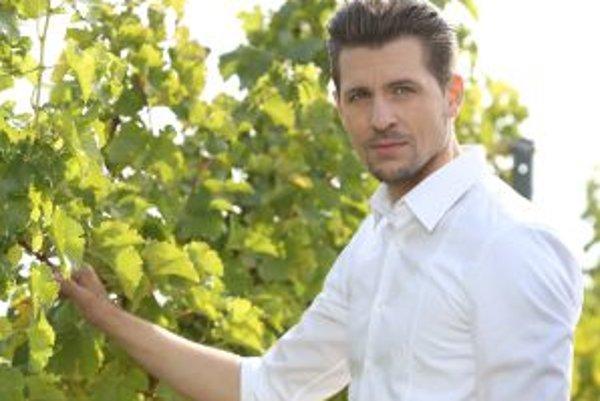 Juraj je hviezdou televízneho seriálu, ale jeho srdcovkou stále zostáva divadlo.