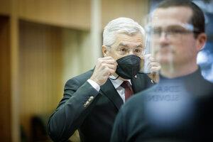 Minister zahraničných vecí a európskych záležitostí SR Ivan Korčok počas príchodu na rokovanie vlády.